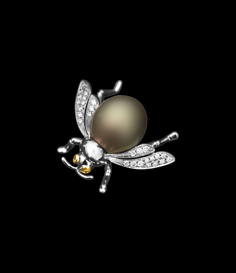 Diamond bug fly brooch big