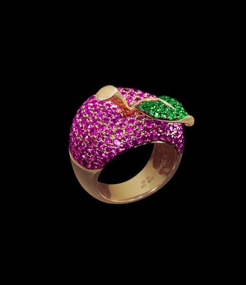 Apple ring rubies
