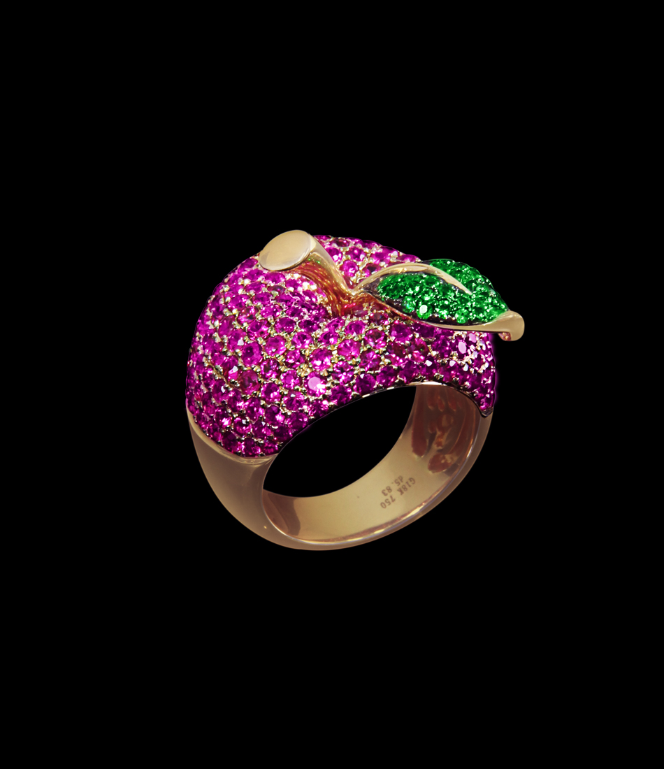 Apple ring rubies